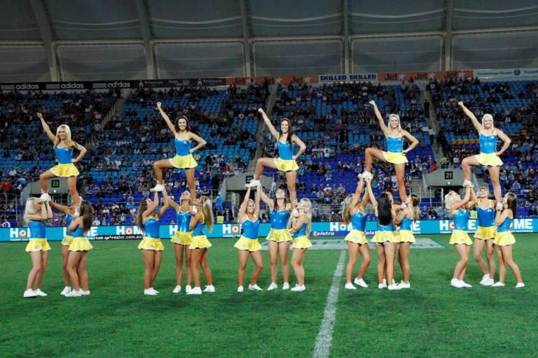 gold coast titans cheerleaders 2011. TITANS CHEERLEADERS TO